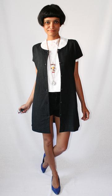 vestido negro basico lbd uniform project chaqueta