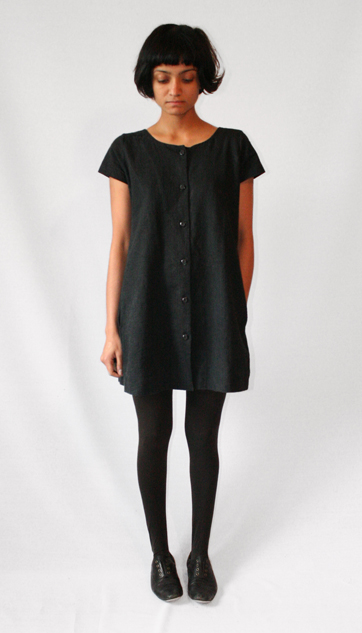 vestido negro basico lbd uniform project